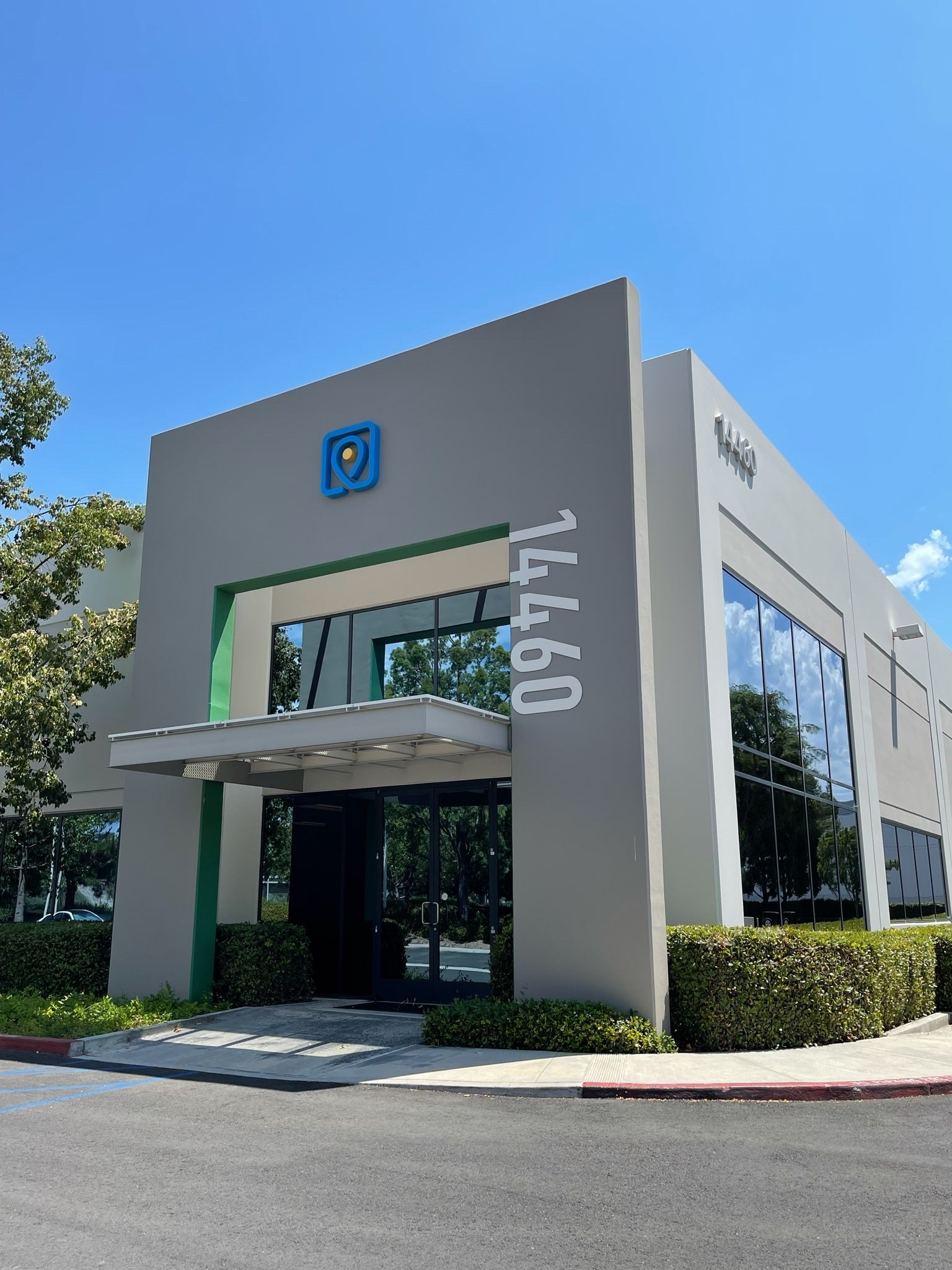 a picture showing an ecommerce fulfillment center of Sellvia based in Irvine, California